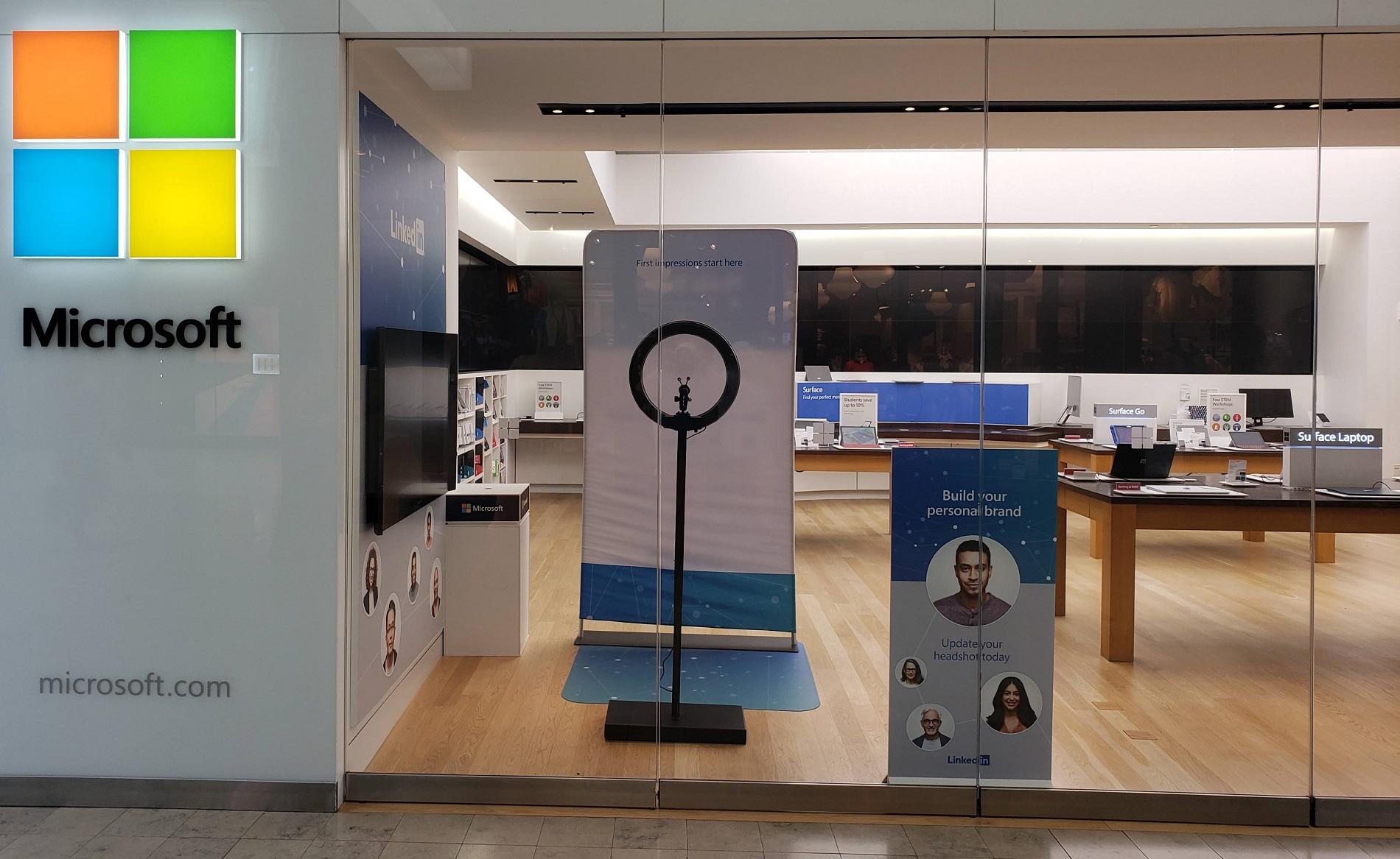 Linkedin Picture Headshot Photo Free At Microsoft Store 1900x1167